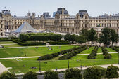 PARIS - The Louvre museum is home of the mona lisa painting and — Stock Photo