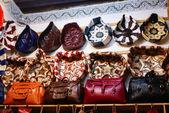 Souvenir-shop in der medina von fes, marokko — Stockfoto