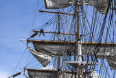 Large mast of an old sailing ship — Stock Photo