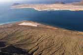 View to La Graciosa Island from Mirador del Rio. Lanzarote, Cana — ストック写真