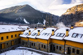 Panorama of winter mountains with houses of benasque,Spain — Stockfoto