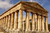 Greek temple in the ancient city of Segesta, Sicily — Stock fotografie