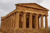 The ruins of Temple of Concordia, Valey of temples, Agrigento, S — Stock Photo