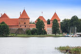 Beautiful Medieval Trakai Castle in an Island in the Lake — Stock Photo