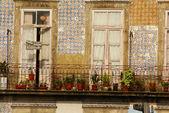 在旧镇,波尔图,葡萄牙的薄房子 — 图库照片