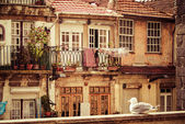 Thin houses in old town, Porto, Portugal — 图库照片