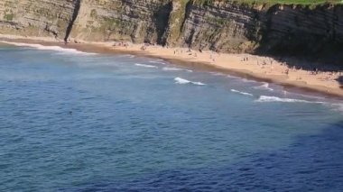 Playa de la cuchia, santander en la cantabria, españa — Vídeo de stock