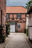 Street with old houses from royal town Ribe in Denmark — Stock Photo