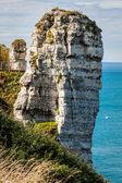Los famosos acantilados de etretat en normandía, francia — Foto de Stock