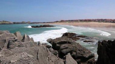 Beach in the Noja, Santander ,Spain — Stock Video