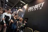 People at Games Week 2013 in Milan, Italy — Stock Photo