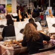 People painting at Weekend Donna 2013 in Milan, Italy — Stock Photo