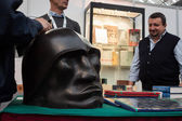 Sculpture of Mussolini's head at Militalia 2013 in Milan, Italy — Stock Photo
