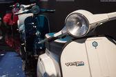 老式的 vespa 摩托车在 eicma 2013 在米兰,意大利 — 图库照片