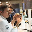 Chef explaining his creation at Golosaria 2013 in Milan, Italy — Stock Photo