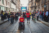 People taking part in Mayday parade in Milan, Italy — Stock Photo
