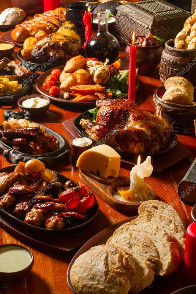 Image Of Medival Kings Table Full Of Food — Stock