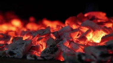 Close footage of hot red coals — Stock Video