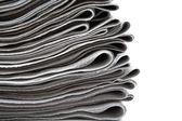 стек газет на белом фоне — Стоковое фото
