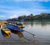 Long-tailed boat at Song River, Vang Vieng, Lao — Stock Photo
