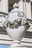 Baroque vase in homestead Oranienbaum. Saint Petersburg. Russia. — Stock Photo