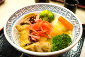 Japanese food fry pork tongkatsu curry with wood pattern  — Stock Photo