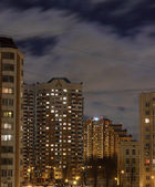 Apartment buildings in a typical street of Moscow at dusk — Stock Photo