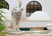Nádherný lev socha turecký hotel — Stock fotografie