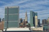 New york pohled od řeky s osn a chrysler věž — Stock fotografie