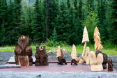 Wood Carved bears and trees in Cooper Landing Alaska — Stock Photo