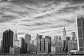 New York Manhattan view from East River — Stock Photo