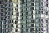 Un bâtiment rempli de rideau — Photo