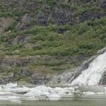 Juneau Mendenhall glacier waterfall — Stock Photo