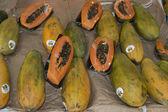Organic Fruit and vegetables: papaya — Stock Photo