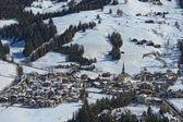 Vista aérea de ciudad de dolomías de badia — Foto de Stock