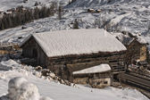 Dolomiti capanna cabina neve d'inverno — Foto Stock