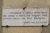 Florencja ponte vecchio dante alighieri znak — Zdjęcie stockowe