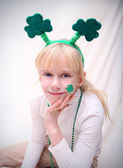 Girl with the Saint Patric's day symbols — Stock Photo