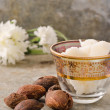 Shea nuts and butter — Stock Photo