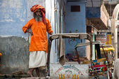Varanasi, lonely Sadhu in the street — Stock Photo