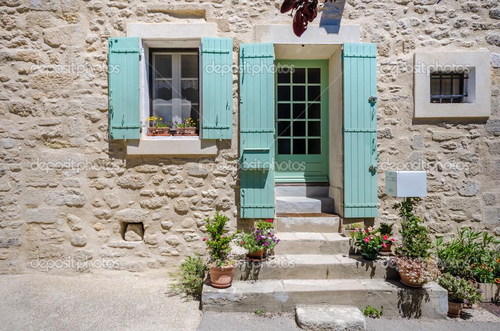 Porta dingresso della casa di campagna foto stock for Piani casa del sud del cottage