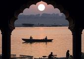 Río ganges - amanecer - india — Foto de Stock