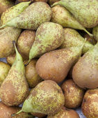 Pears on a market stall — Stock Photo