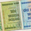 Billets de Banque du zimbabwe - 100 billions de dollars — Photo #17309487