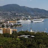 Kryssningsfartyg i acapulco - Mexiko — Stockfoto