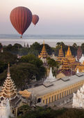 Hot Air Balloons - Bagan - Myanmar — Stock Photo