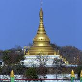 Sagaing Hill near the city of Sagaing in Myanmar (Burma) — Stock Photo