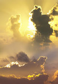 Dramatic clouds at sunset — Stock Photo