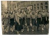 Gruppo di giovani donne - parata di giorno di maggio — Foto Stock