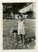 Menina com pelúcia fulvo — Foto Stock